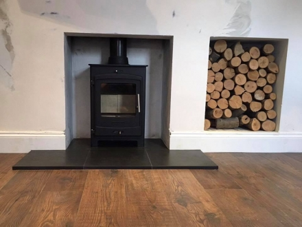 Portway 1 Contemporary Stove & Laminate Flooring
